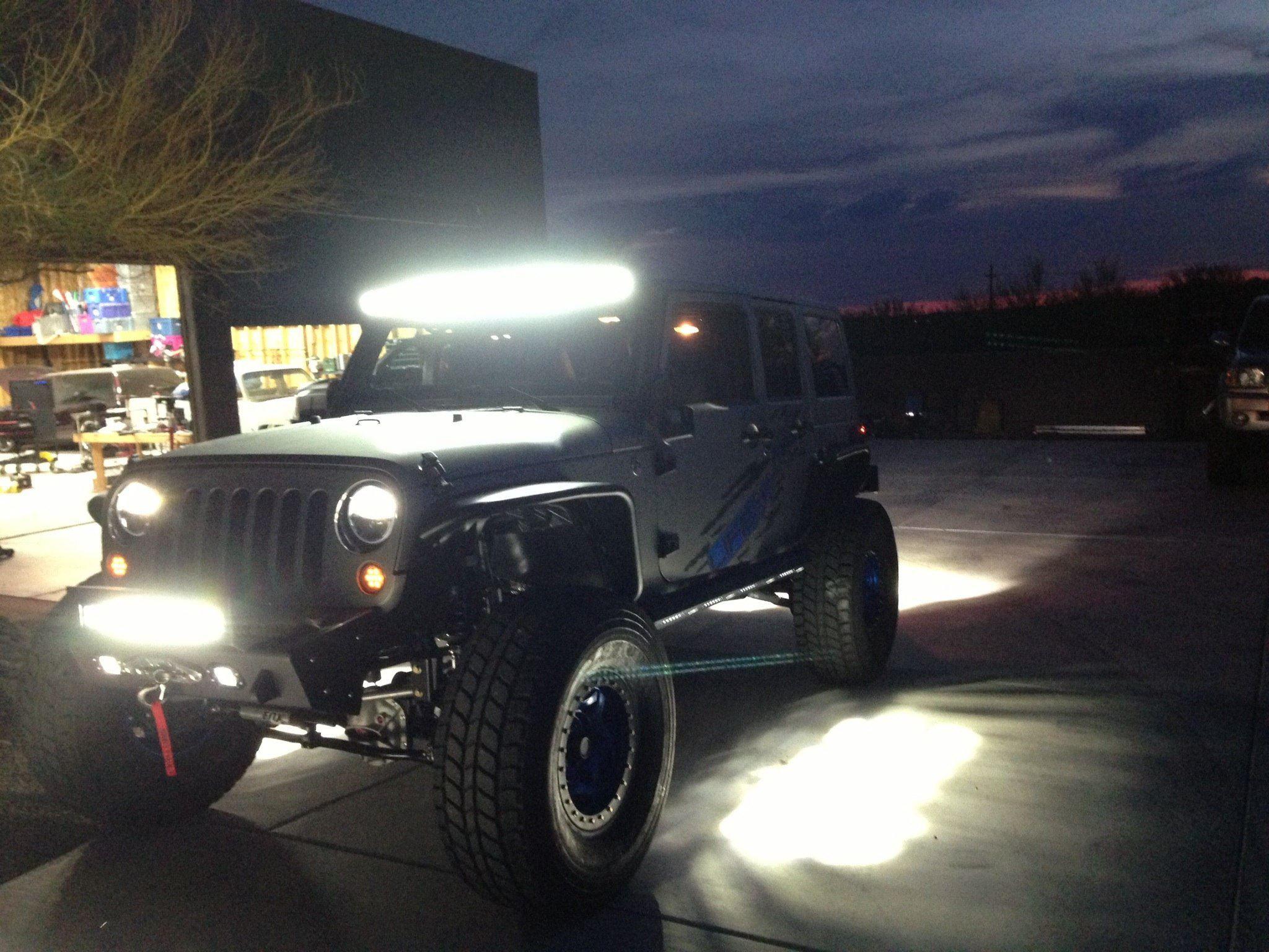 lit simple jeep