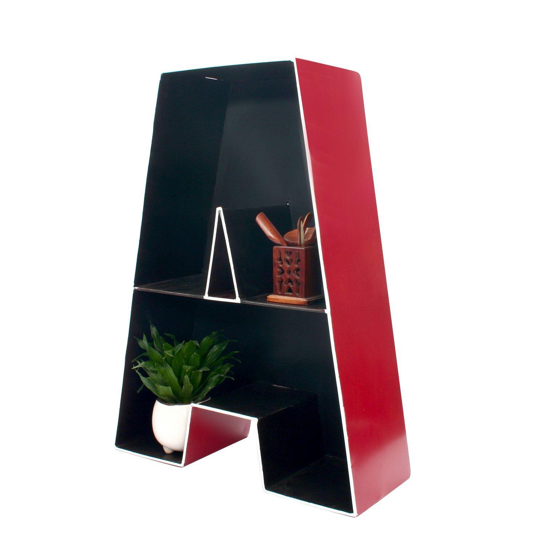 Farbduo An Der Wand Rot Und Grau: Dekoratives Regal, Buchstabe A. Aus Lackiertem Glas