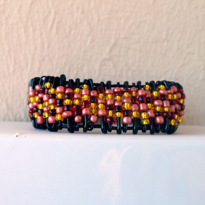 bracelet diy en pingles nourrice et petites perles bracelet par sidofimo creation bijoux. Black Bedroom Furniture Sets. Home Design Ideas