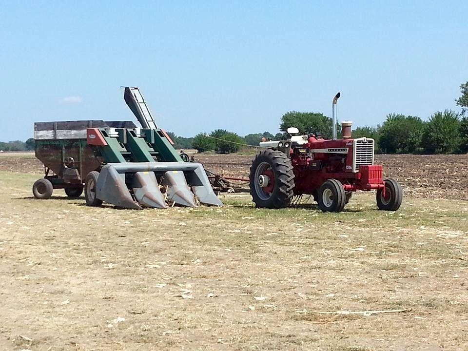 Ih 1206 New Idea 3 Row Picker Farm Trucks Tractors Old Farm Equipment