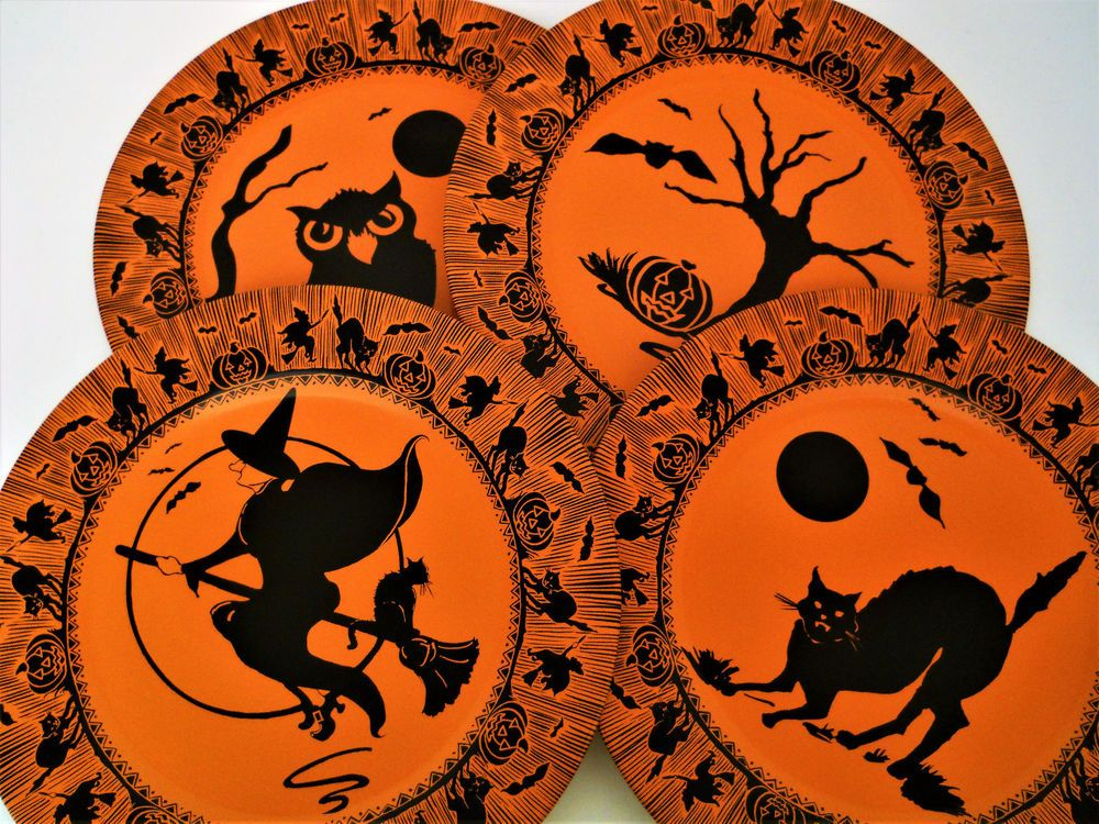 Restoration Hardware Vintage Style Halloween Tin Plates Set Four Cat Witch Owl T Halloween Inspiration Vintage Halloween Decorations Halloween Everyday