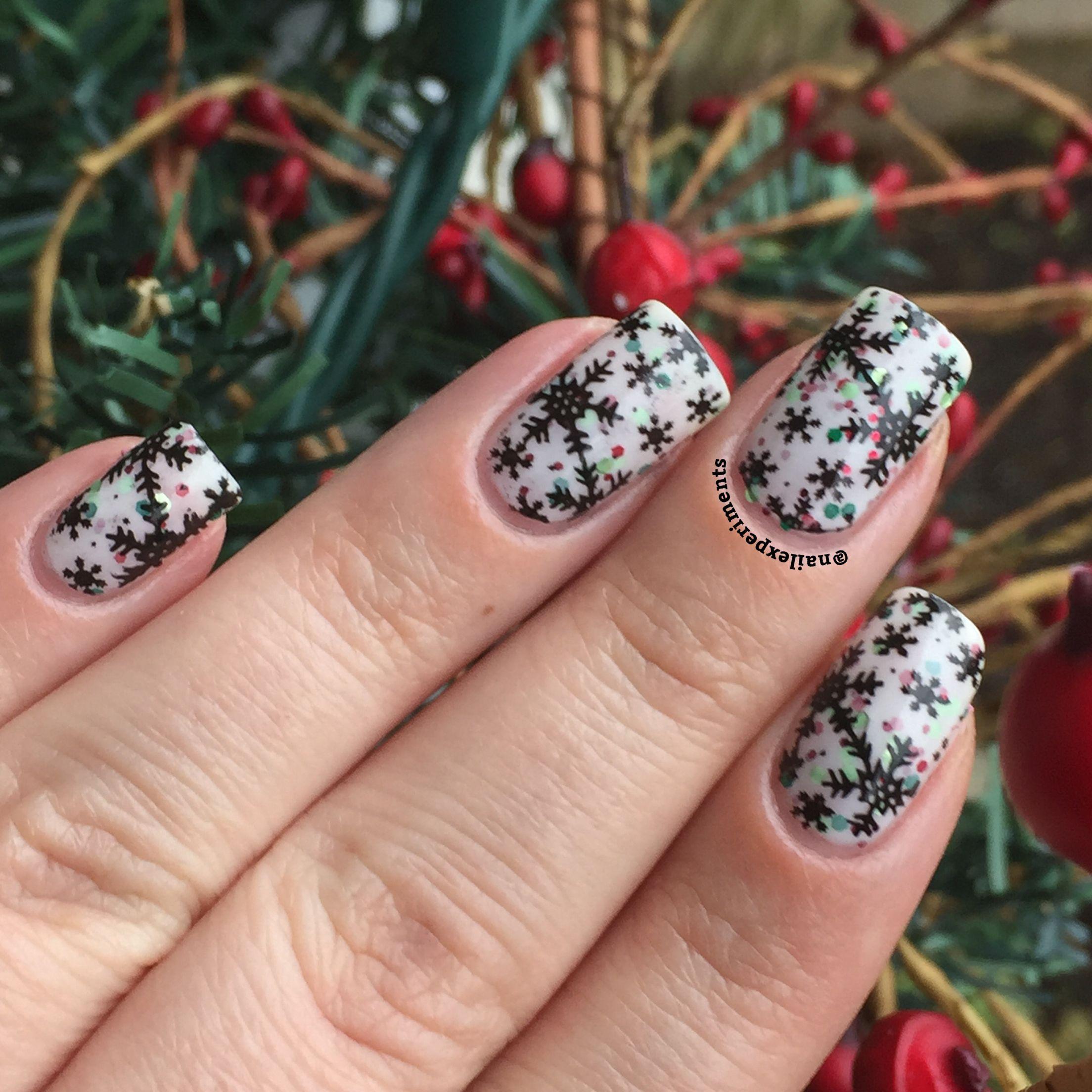 Christmas themed nail art Beyond the nail - stocking stuffer as the ...