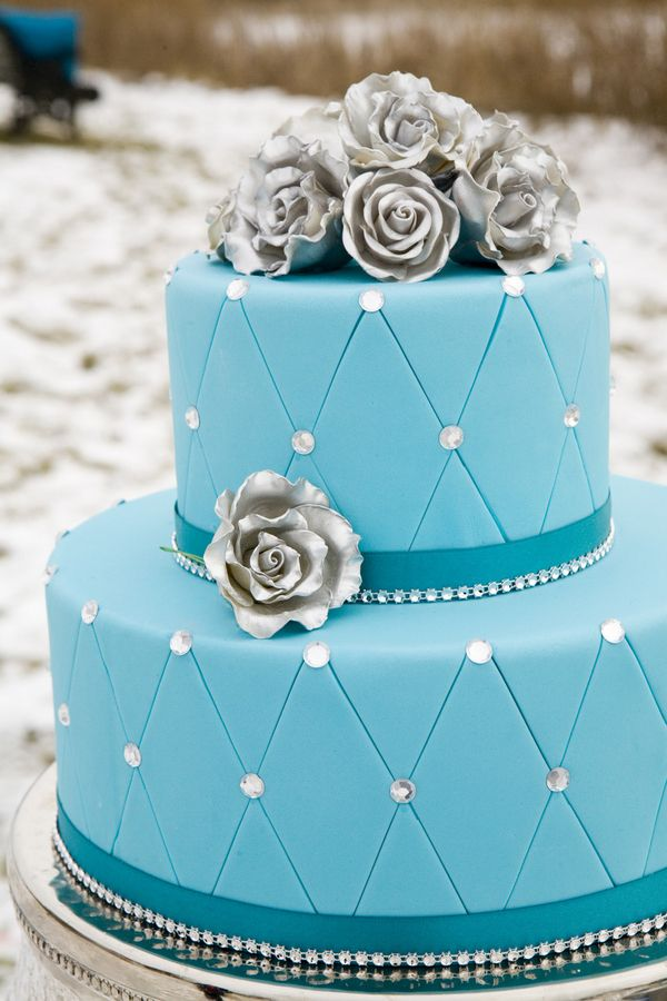 turquoise and white wedding cake with diamonds gorgeous turquoise wedding cake by www pinklemonbakeshop 21301