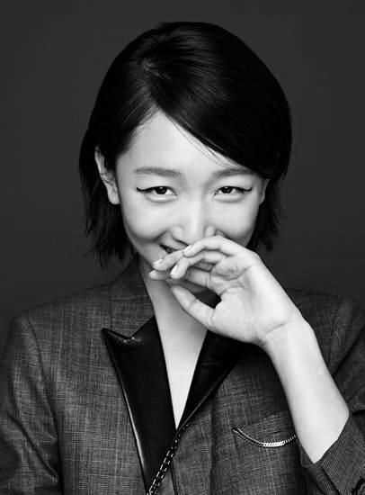 Ravageuses are kind of shy. | Zhou Dongyu