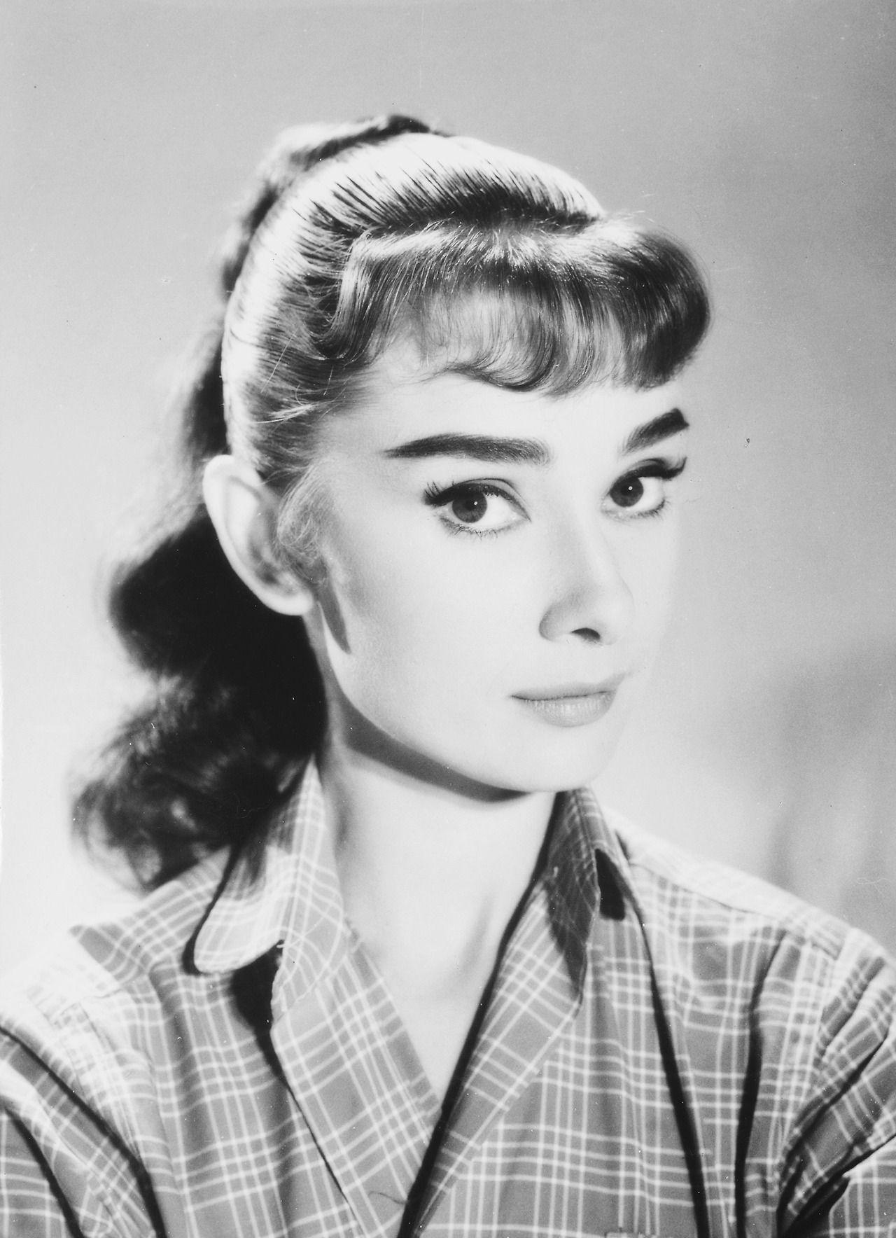 Audrey Hepburn (1929?993 (born in Ixelles, Belgium) Audrey Hepburn (1929?993 (born in Ixelles, Belgium) new picture