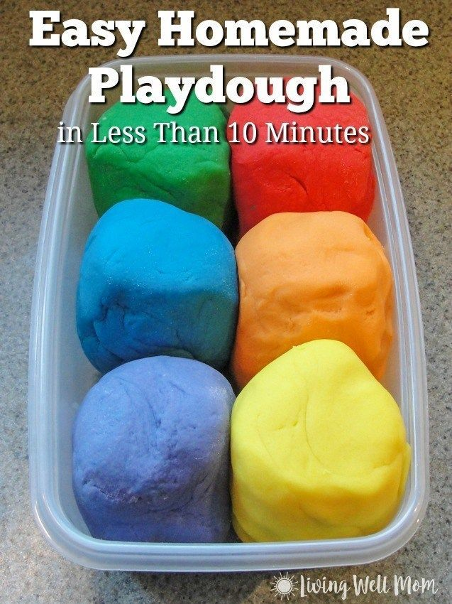 This easy homemade playdough recipe is truly the best! Make it in less than 10 minutes (we made 6 batches in 30 minutes!) and the kids will have fun with this DIY, non-toxic play-doh for hours! #diykids #homemadeplaydough #playdough