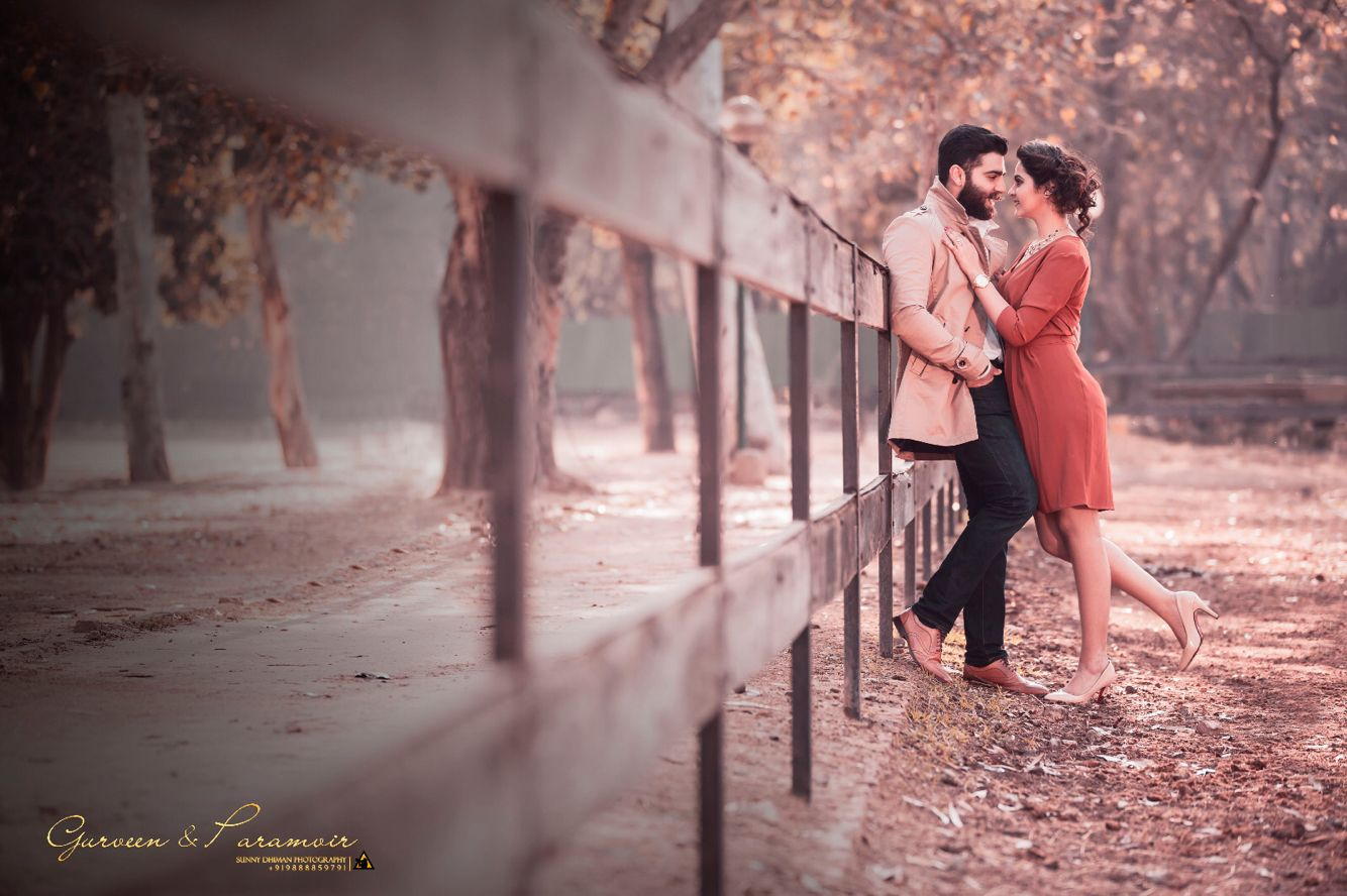 Candid people photography falling in love in style prewedding