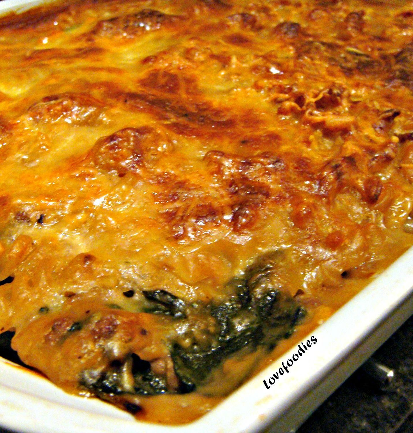Spinach Beef Spaghetti Pie Recipe: BEEF & SPINACH PASTA BAKE... Seriously Great Flavours