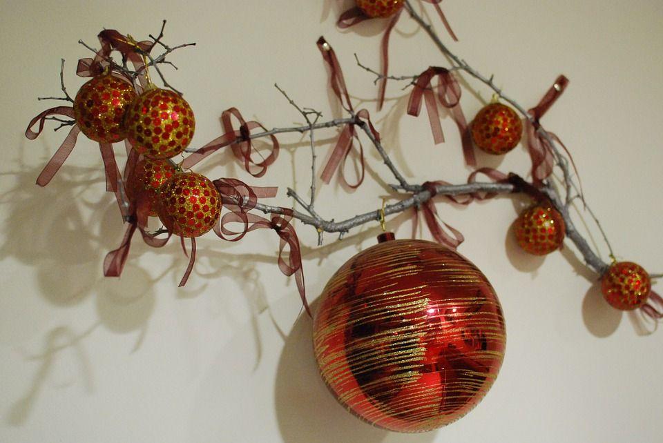 Quelques branches, quelques boules de noël et tout est parfait