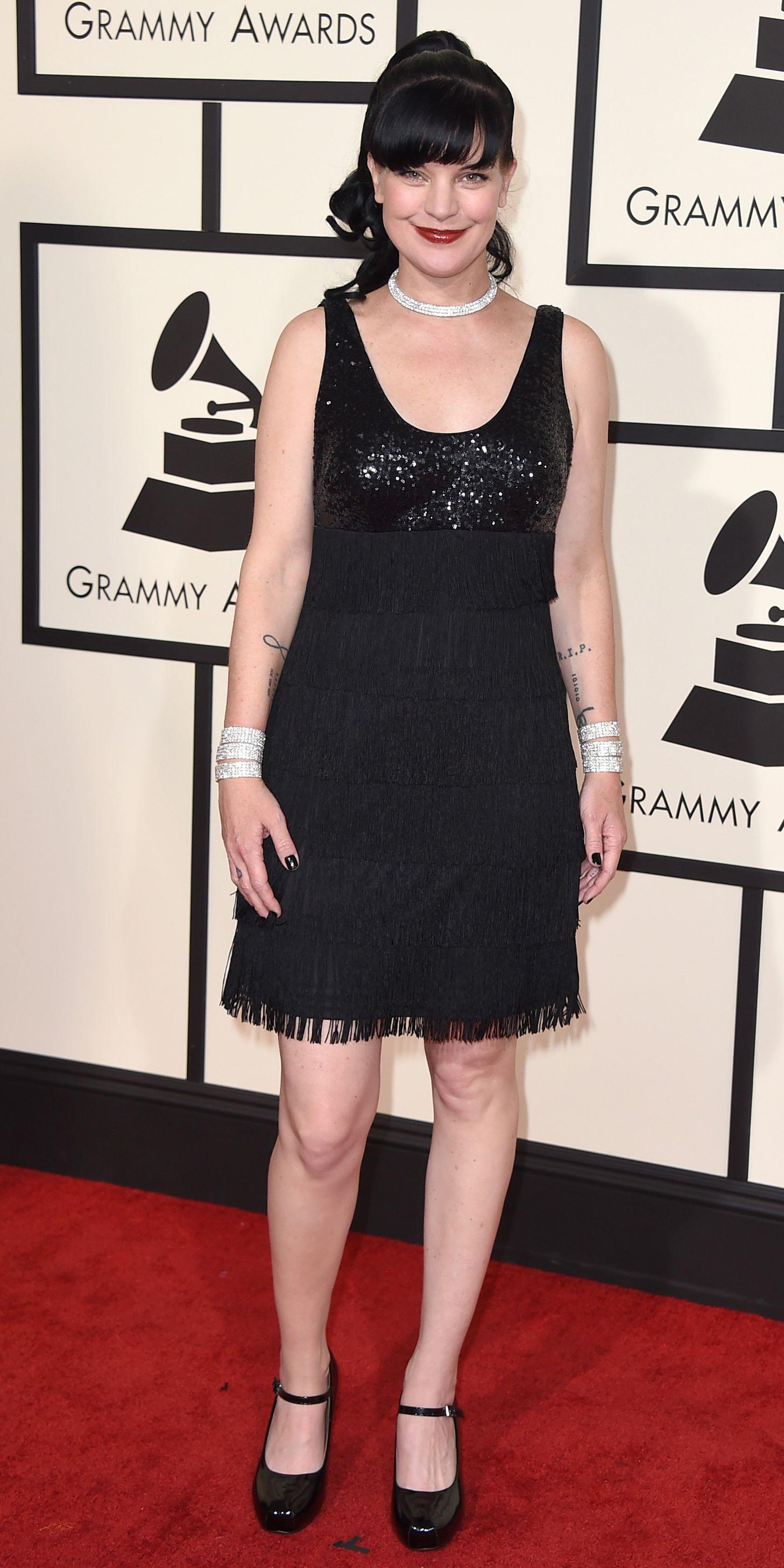 Pauley Perrette in short green dress at Grammy redcarpet