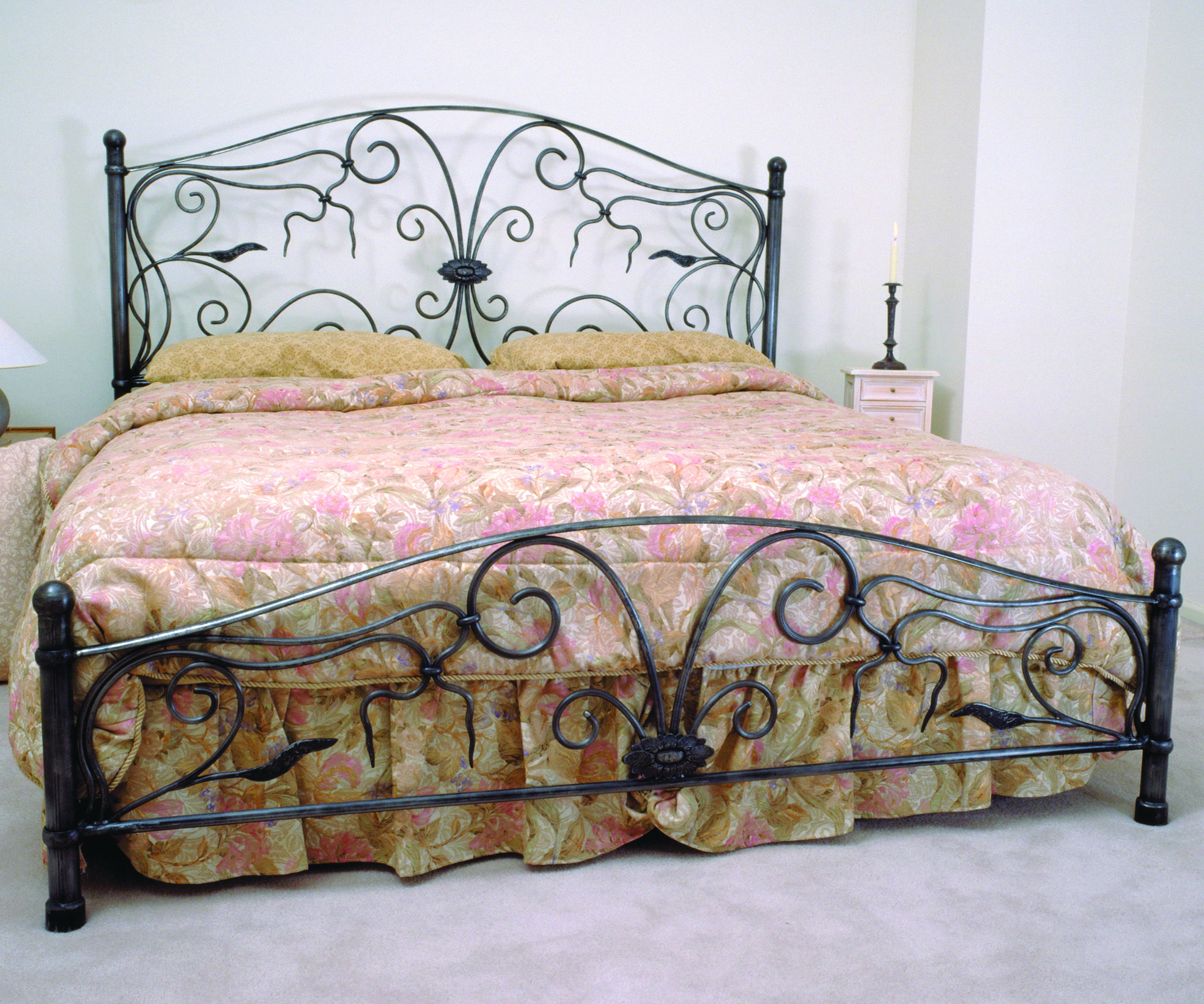 round bar Cal. King. Bed design, Iron headboard