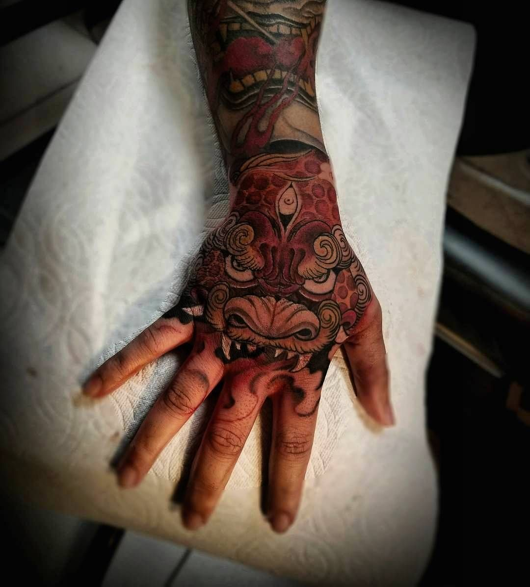 706 Likes 9 Comments Asian Inkspiration Asian Inkspiration On Instagram Incredible Hand Tattoos By Tristen Chronicink Asian Inkspiration Instag