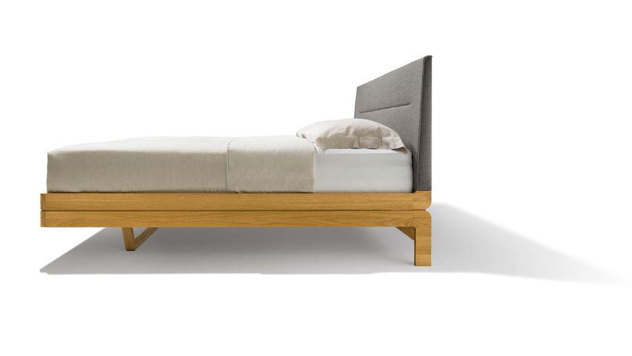 Bett Float Aus Holz In Eiche Mit Kopfhaupt In Stoff Seitlich Bett Eiche Bett Ideen Bett