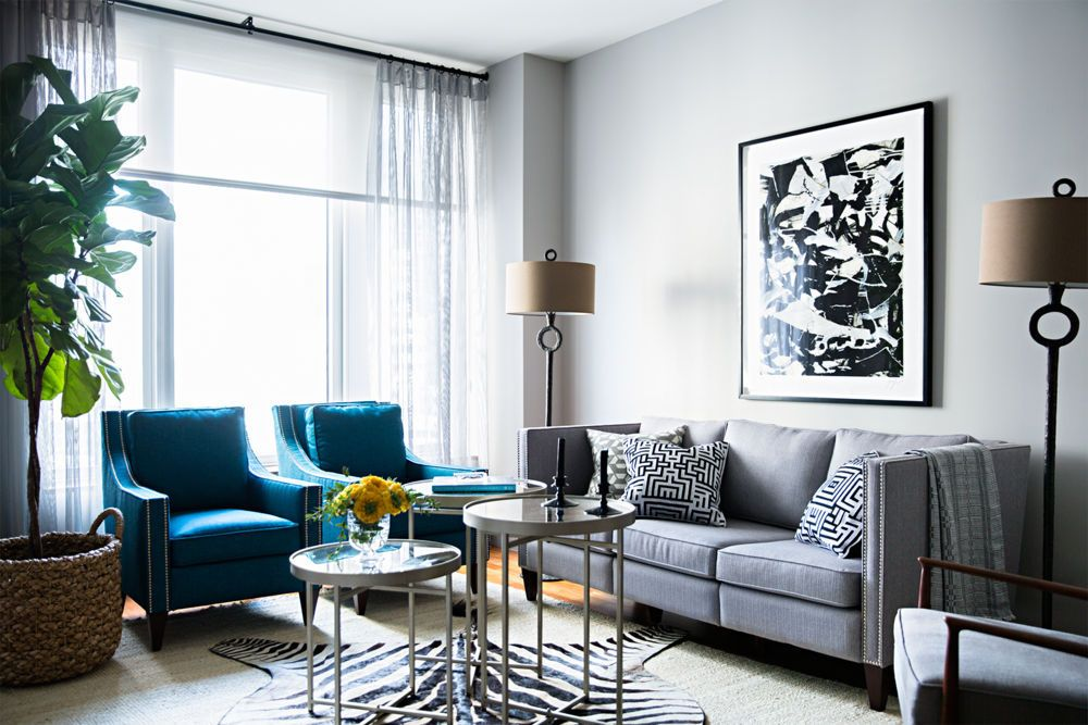 Modern And Chic Living Room Grey Couch Gorgeous Blue Chairs With Chic Zebra Print Rug Living Room Design Modern Funky Home Decor Living Room Grey