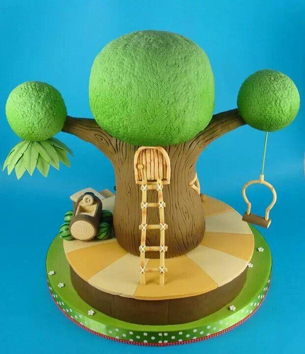 Tree house fondant cake