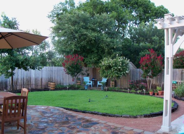 First Steps To Backyard Makeover, I Have A Square Backyard Surrounded By  Typical Fencing. I Added A Flagstone Patio For The Dining Table.