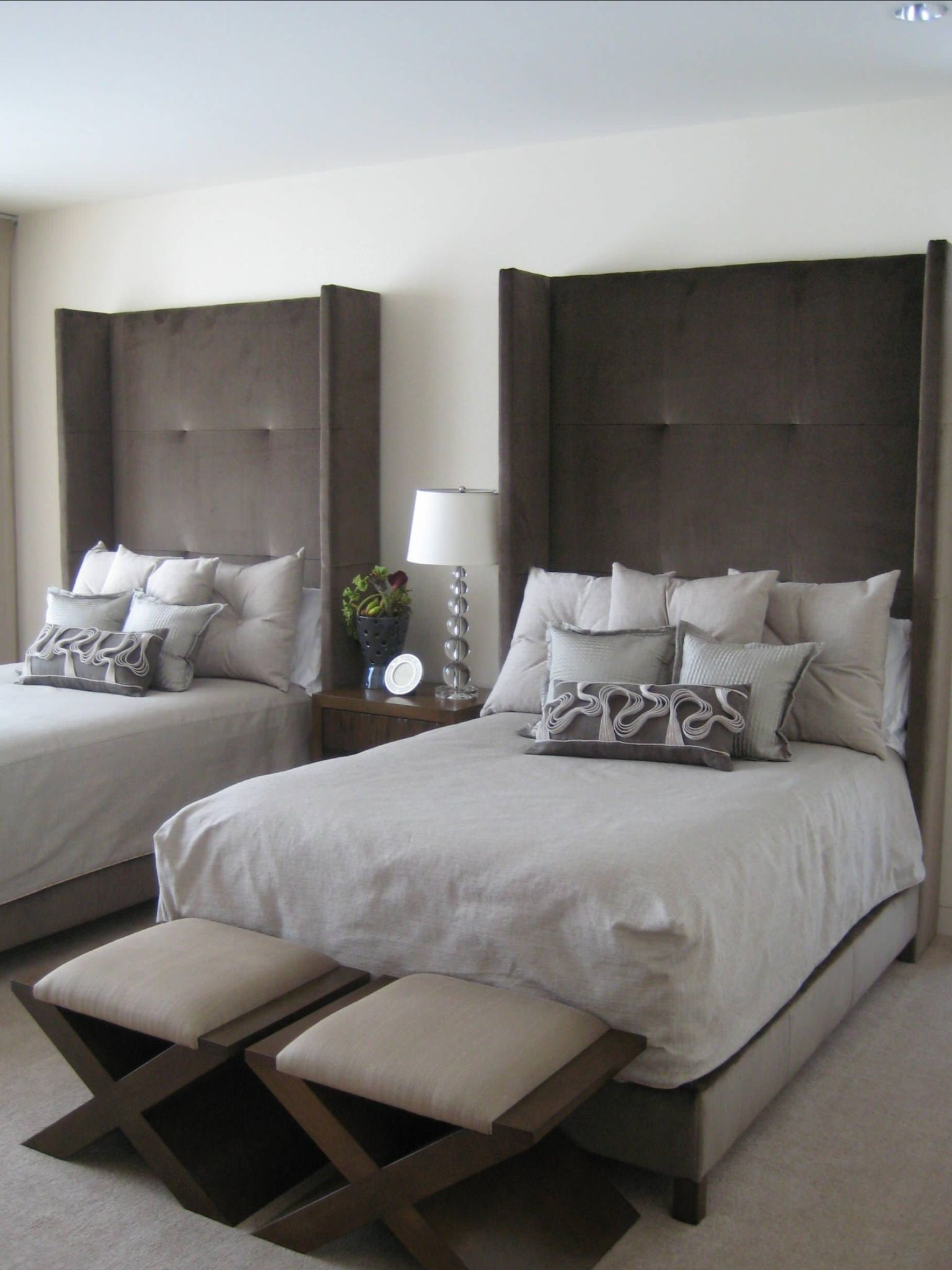 Twin Bed Hotel Room: Twin Beds And Headboards In Guest Room.