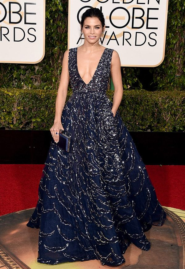 Look da atriz Jenna Dewan-Tatum no red carpet do Golden Globe Awards 2016