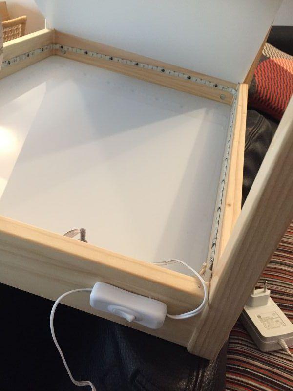 Diy Fabriquer Une Table Lumineuse La Maternelle De Wendy Table Lumineuse Table Lumineuse Dessin Table Basse Lumineuse