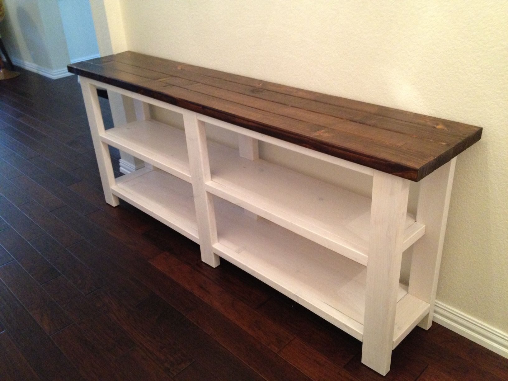 How to make a sofa table from 1 x 6 lumber - Rustic Chic Console Table