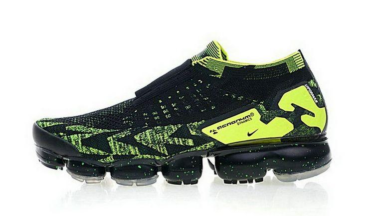 newest d37e5 a0919 Sconto Acronym x Nike Air VaporMax Moc 2 Nero Volt In Vendita