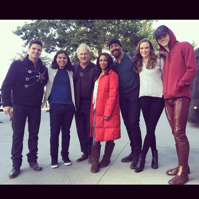 The Flash cast photo Season 2
