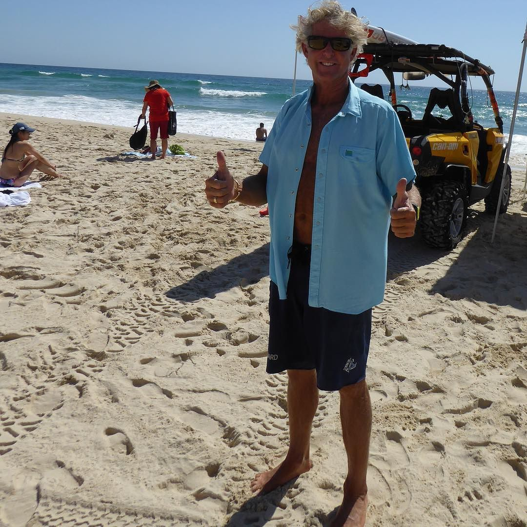 When it's winter in the Northern Hemisphere it's summer Down Under. The senior lifeguards at Surfer's Paradise Australia are finding Natural Border shirts have comfort and function advantages. Check out the new fashion that's become popular on Australia's Gold Coast.  #SurfersParadise #GoldCoast #LifeguardLifestyle #LifeguardLife #BeachLifeguard #BeachLifeguards #OceanLifeguard #OceanLifeguards #AustralianLifeguard #AustralianLifeguards #SurfersParadiseBeach #VisitSurfersParadise #Queensland…