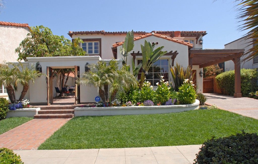 Spanish style houses old world spanish style home 1 for Old world house plans courtyard