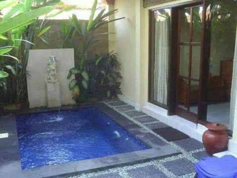 Piscinas en patios peque os home decor pinterest for Jacuzzi en patios pequenos