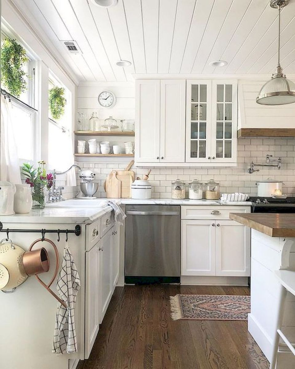 23 affordable farmhouse kitchen ideas on a budget home - Kitchen decorating ideas on a budget ...