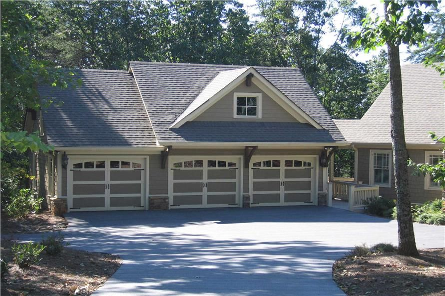 3 Car Detached Garage With Apartment Plan 679 Sq Ft 1 Bed Carriage House Plans Garage Plans Detached Garage Design