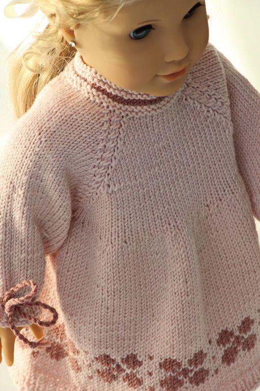 Stricken Sie eine tolle Tunika in flieder und rosa für Ihre Puppe ...