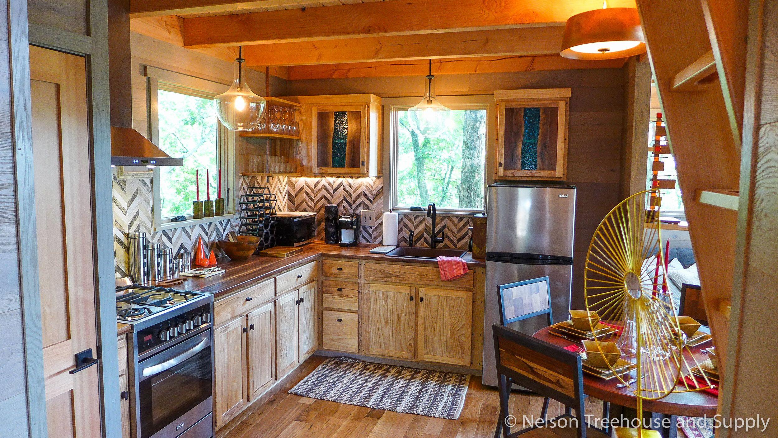 Incroyable Frank Lloyd Wright Treehouse Kitchen  Pete Nelson