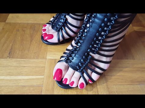 26c6302ea5d MATURE FEET WITH LONG TOENAILS IN HIGH HEELED SANDALS - YouTube ...