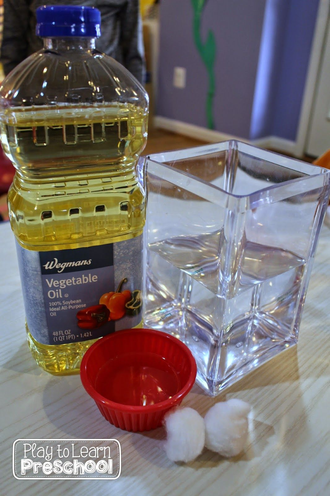 Play to Learn Preschool: Oil & Water Science Experiment