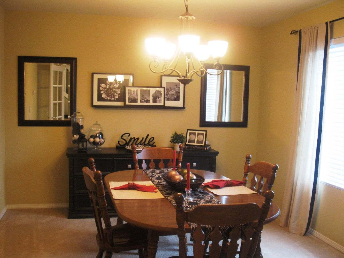 Traditional Dining Room Decorating Ideas With Wooden Table And Oak Design