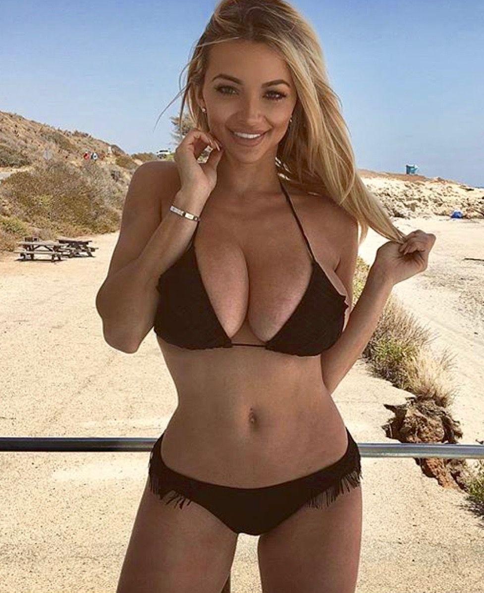 Pin na nástěnce Bikini girls 1f32de8041