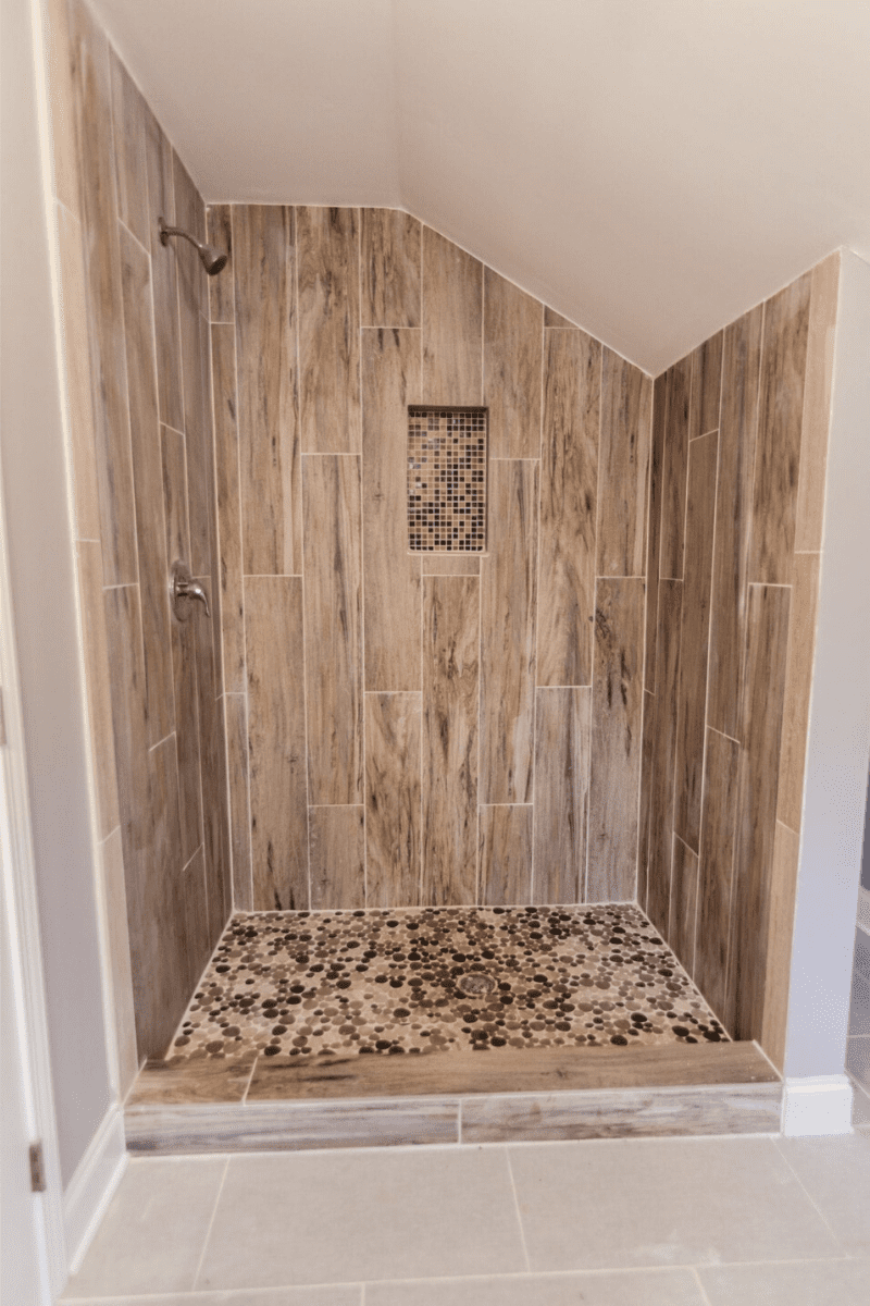 31 Best Bathroom Remodel Ideas For You With Images Small Master Bathroom Bathrooms Remodel Small Bathroom Remodel