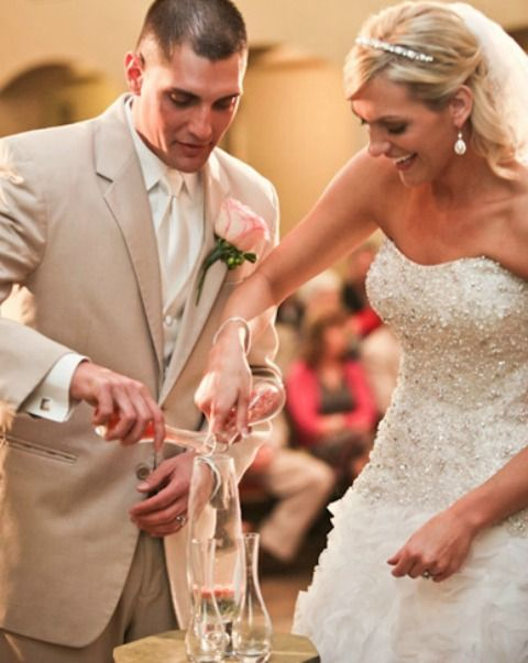 Glass: A Sand Ceremony Alternative (you get a keepsake to display in your home!) #itsabrideslife #misscountrymusicbride #davidtutera