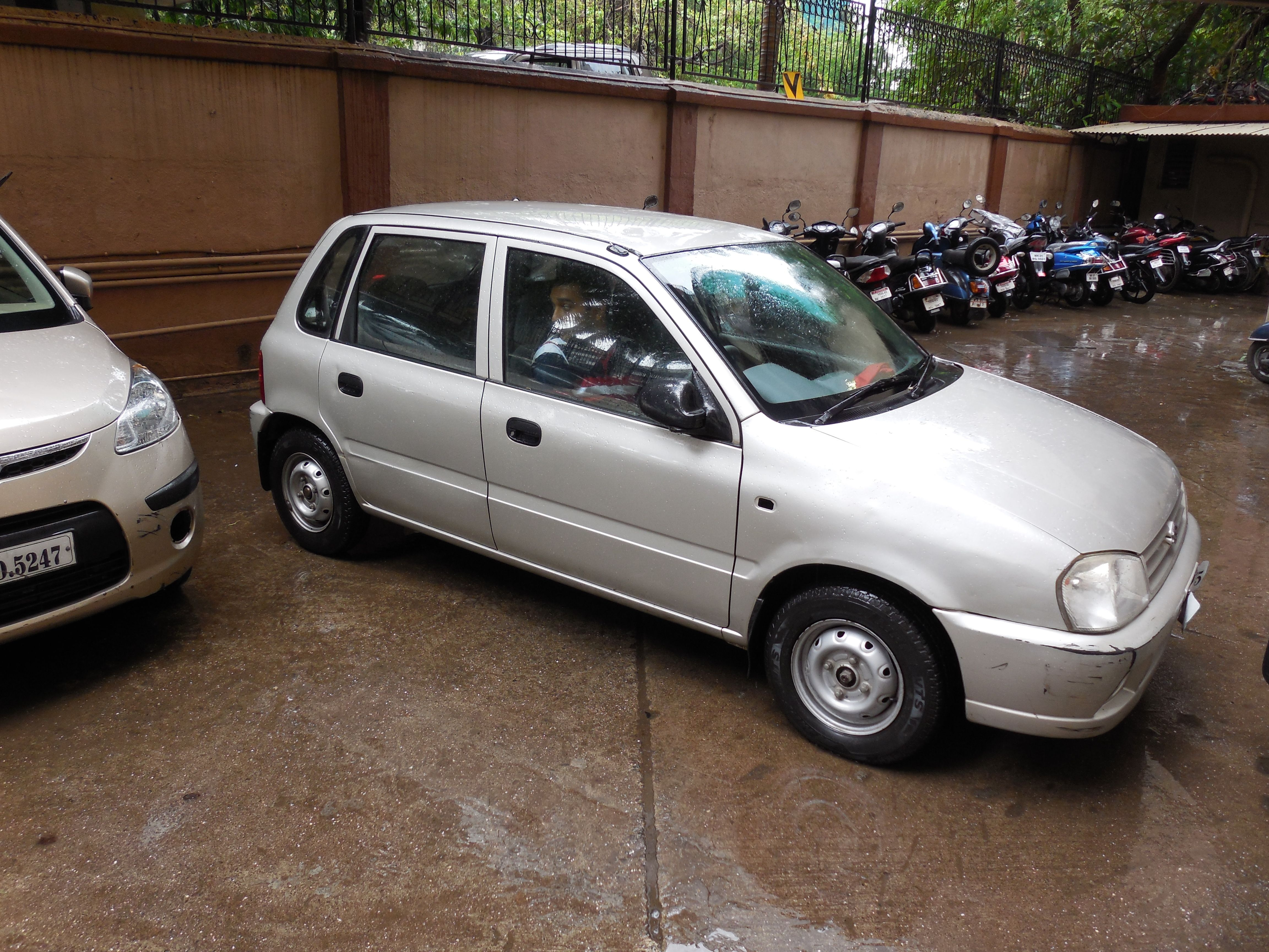 Maruti Zen 2005 model for sale in Mumbai. Check out the
