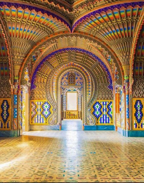 Sammezzano Castle - An Italian palazzo in Tuscany notable for its Moorish Revival architectural style. The castle has 365 rooms, one for each day of the year and each with unique, Moorish decoration. The palazzo is surrounded by one of the largest park in #Tuscany, with a large number of exotic trees and architectural elements in the Moorish style. Photo by: @dino_presciutti #CastellodiSammezzano #exploreitaly #spgitaly