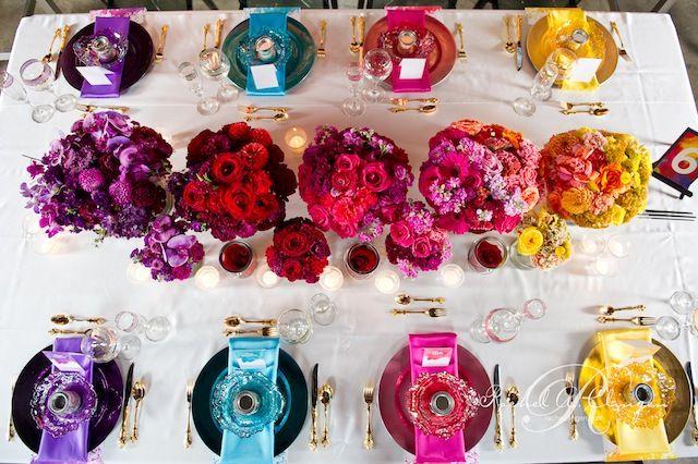 Les mariages arc en ciel d coration de mariage multicolore id es mariage pour rachel en 2019 - Deco table multicolore ...