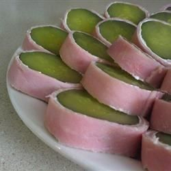 Like the best part of a sandwich...without the bread! Here, fresh cream cheese pairs up with sour dills and deli beef..
