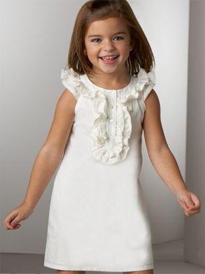 Coisa mais fofa no vestido básico e super fashion