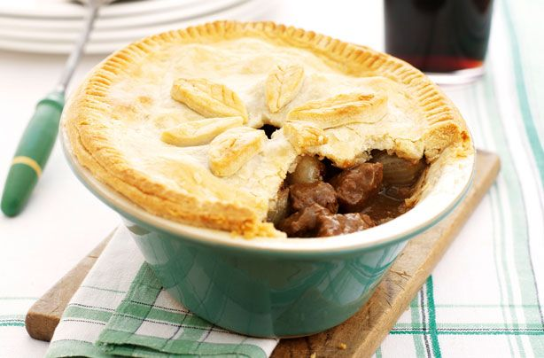 Beef and Guinness pie | Recipe (With images) | Beef and ...