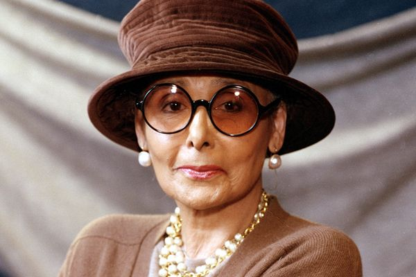 Probably best known for her version of the song 'Stormy Weather,' legendary singer, movie actress and activist Lena Horne has passed away.