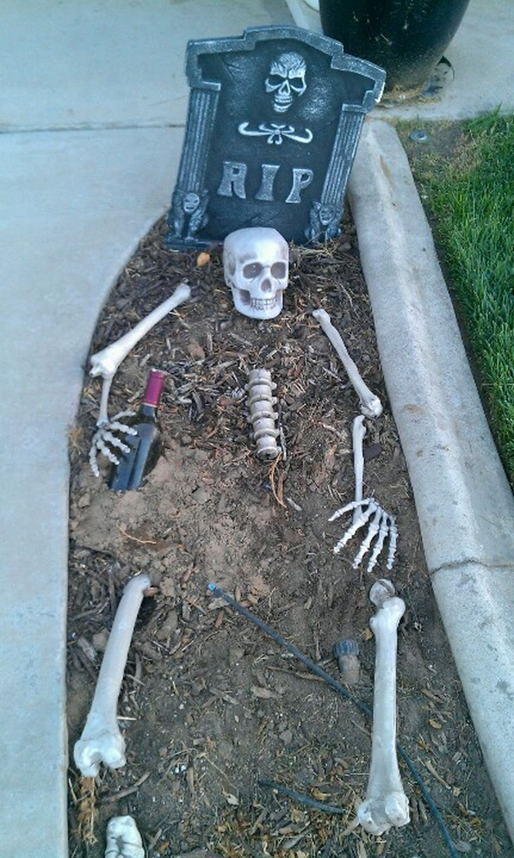 Nice 65 Scary Front Yard Halloween Decoration Ideas More at   - front yard halloween decorations