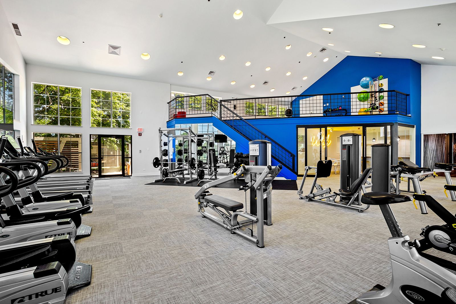 Get Your Sweat On In Our Fitness Center It S Just One Of Our Many Amenities At Themonroe Il Apartments Apartments For Rent Apartment Bedroom Floor Plans