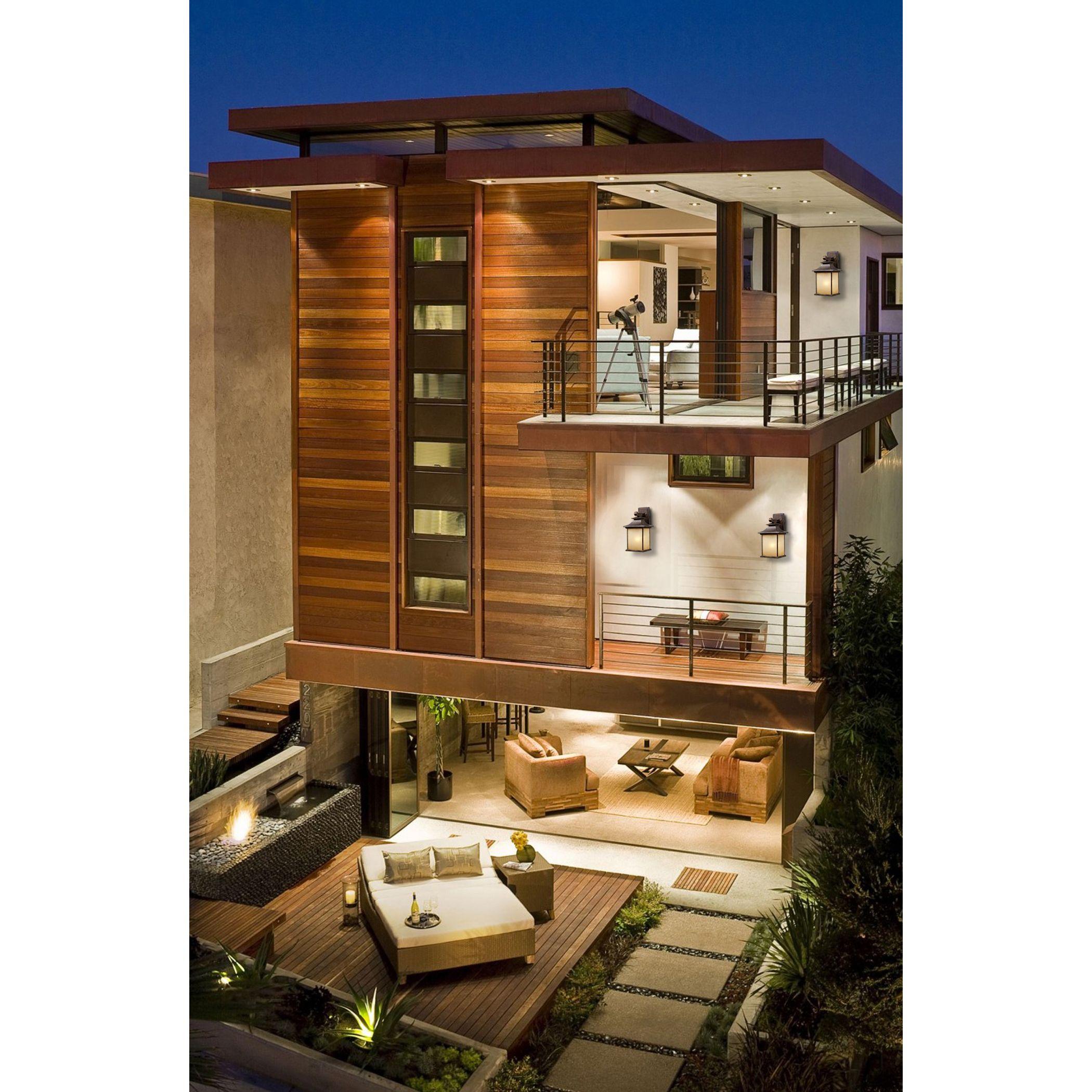 Steve Lazar has designed this luxurious contemporary