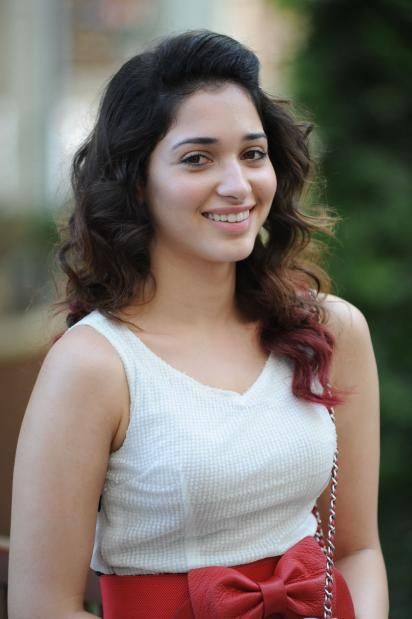 Hottest Hd Actress Tamanna Bhatia Free Images Wallpapers